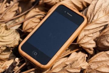 Custodia in legno per iPhone