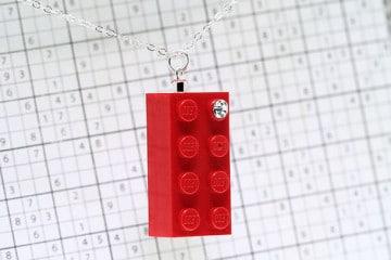 La collana LEGO con brillante