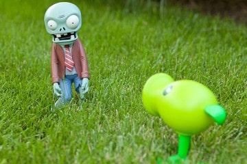 Le statuine da giardino di Piante contro Zombie