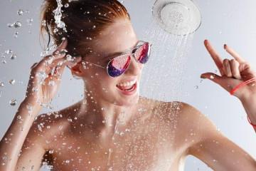 Il soffione da doccia con altoparlante incorporato