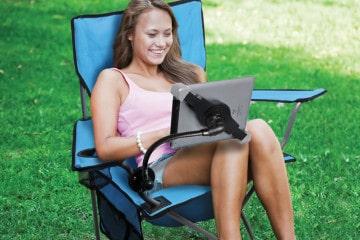 La poltrona con stand per l'iPad