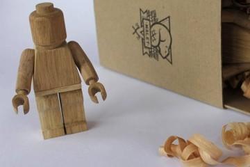 L'omino LEGO di legno