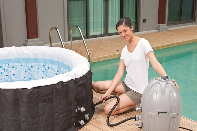 vasca-idromassaggio-gonfiabile-lay-z-spa-miami-1