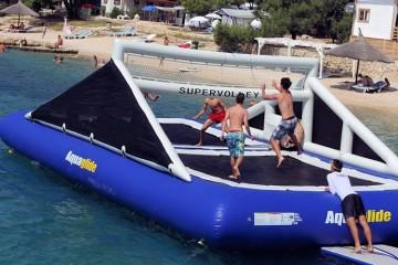 Campo da pallavolo galleggiante