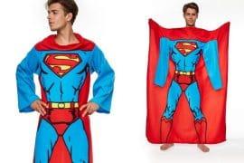 Coperta con le maniche Superman