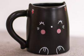 Il mug del gatto timidone