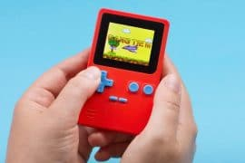 Mini console in stile Game Boy