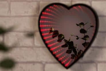 Specchio Cuore Infinity LED