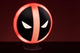 Lampada logo di Deadpool