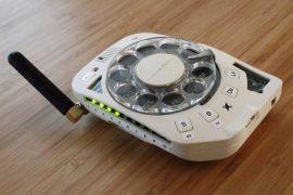 Telefono cellulare rotativo