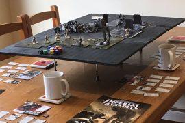 Piano sopraelevato per giochi da tavolo