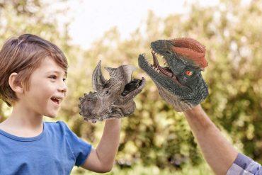 Puppet realistici di dinosauri