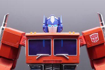 Optimus Prime hi-tech