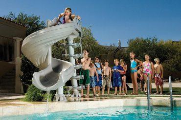 Scivolo a spirale per piscine